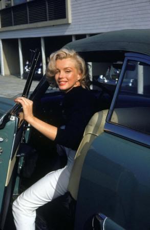Мерилин Монро фото в машине