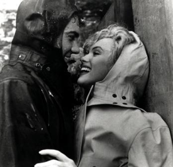 Мерилин Монро фото в шапочке