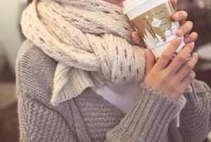 Как завязать шарф. Как носить красивые вязаные шарфы зимой.